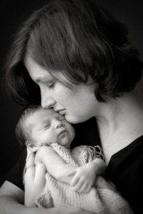 Emory-0112-newborn-bw